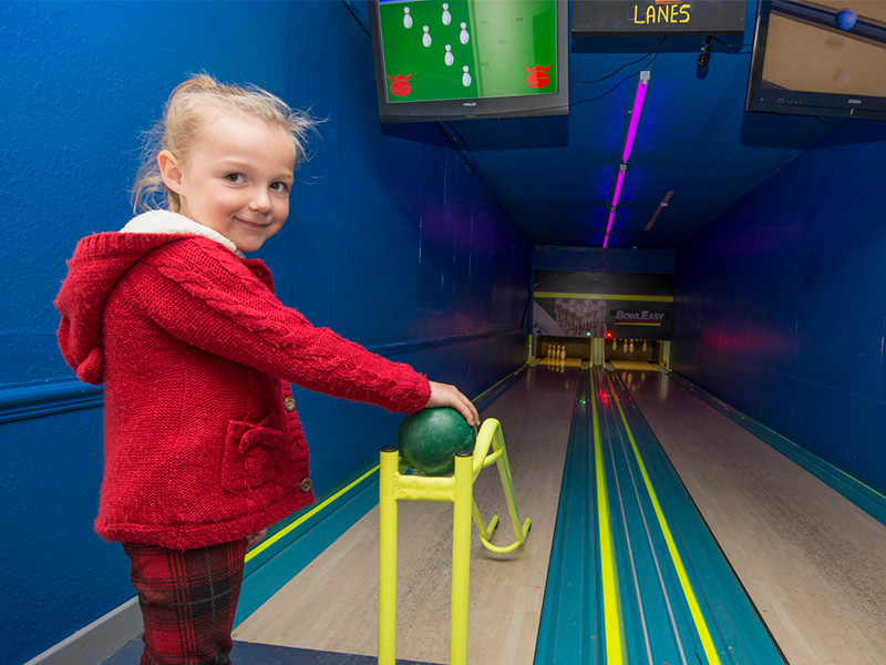 Mini ten pin bowling
